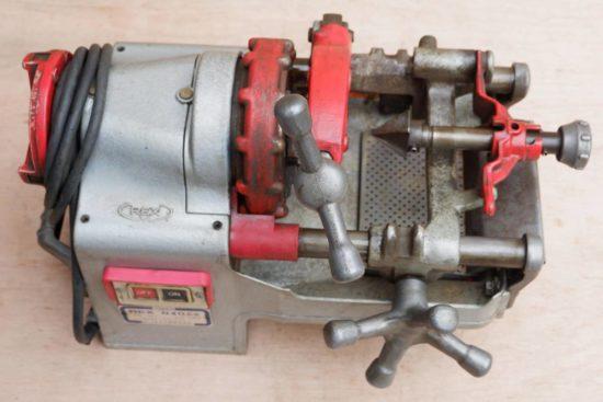 ねじ切り旋盤などの工具の買取は工具買取エスクラインにお任せください。